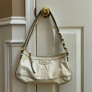 LN! COACH Hobo Pleated Leather Convertible Purse